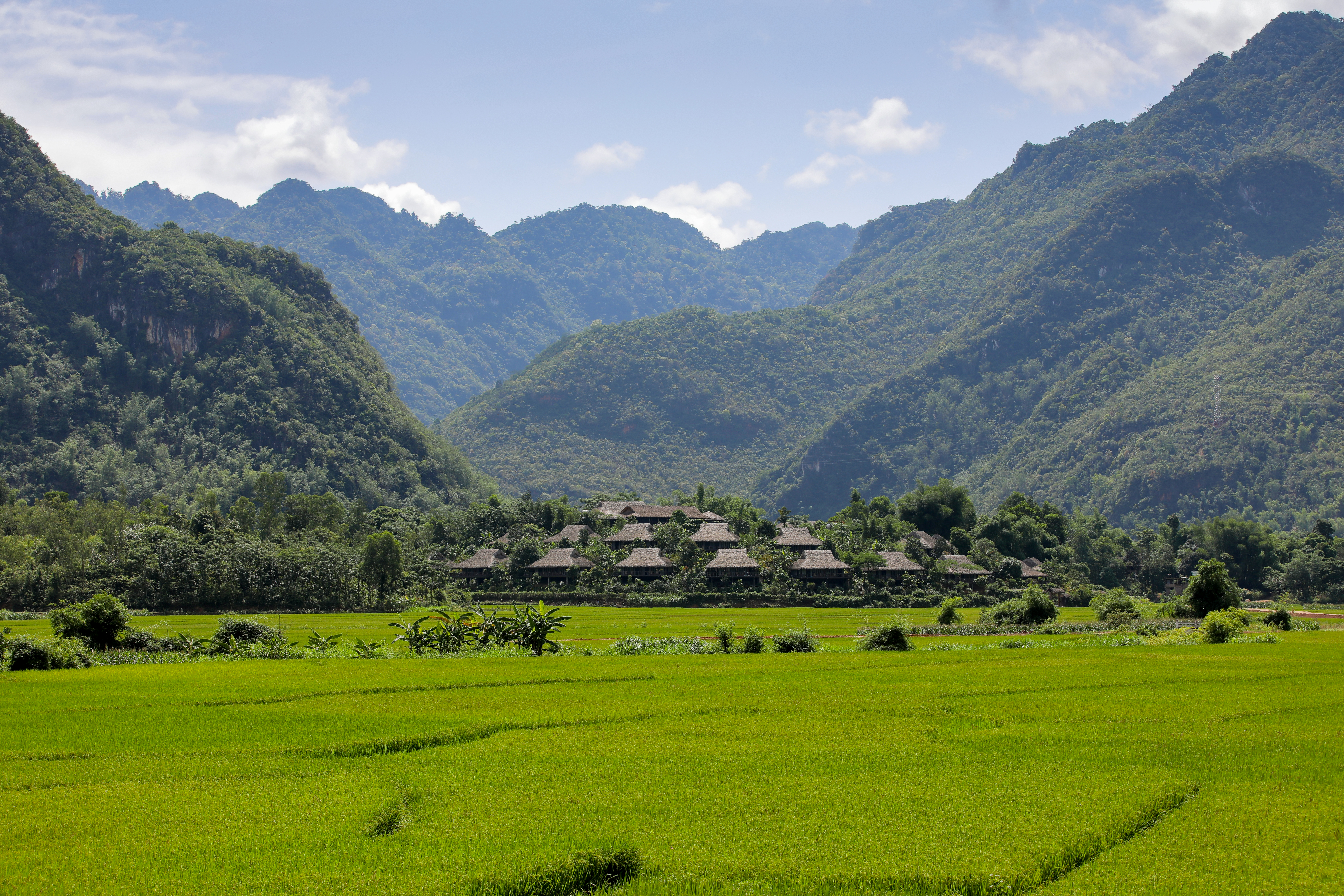 1 overview mai chau ecolodge  1